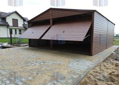 Dwustanowsikowy garaż blaszany
